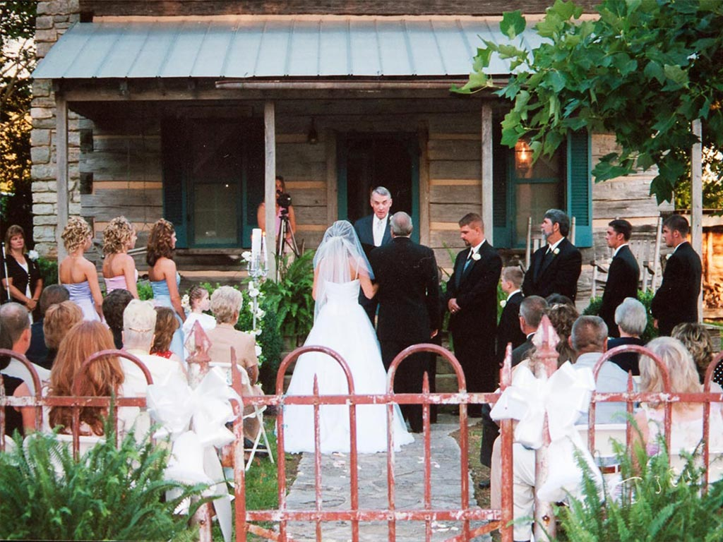 Beautiful Tennessee Cabin Wedding
