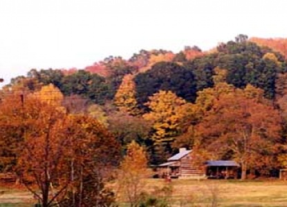 Beautiful Scenic Tennessee Bed and Breakfast Cabin Away From It All